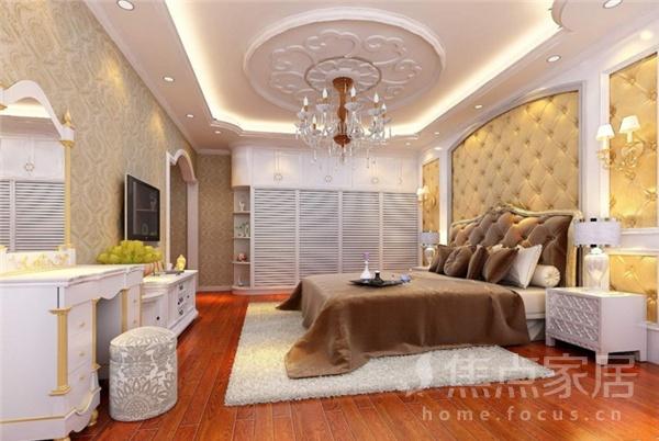 卧室吊顶效果图:除了石膏板吊顶,装饰石膏线脚也是客厅中常用的