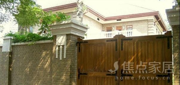 资讯 资讯 文章       农村房屋风水禁忌   围墙不可过高否则居住人